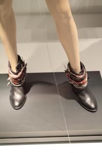 Detalhe nos sapatos.
